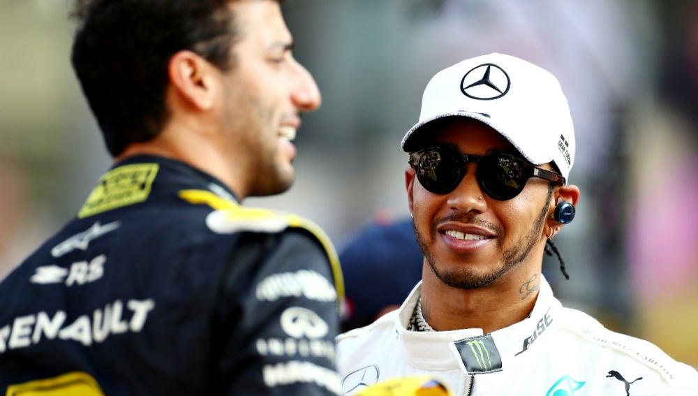 Lewis Hamilton, con Daniel Ricciardo