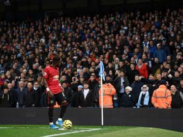 Fred, ante la afición del Manchester City