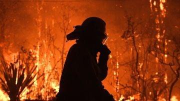 Un oficial del servicio rural de bomberos de Nueva Gales del Sur