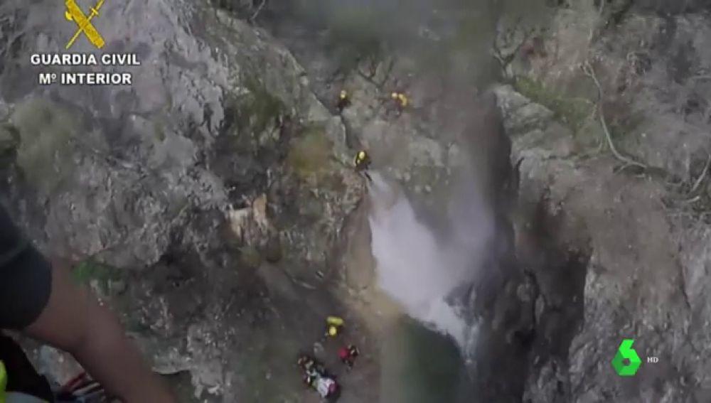 La Guardia Civil rescata con helicóptero a una mujer herida en el torrent de Solleric, Mallorca