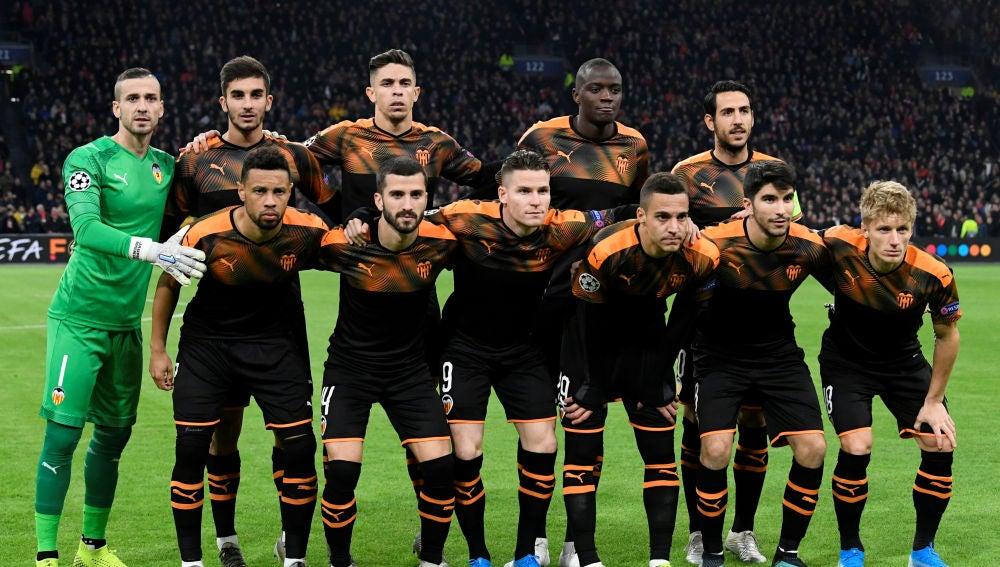 El once titular del Valencia que ha vencido al Ajax en Ámsterdam