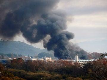 Imagen del incendio de Montornés del Vallés (Barcelona)