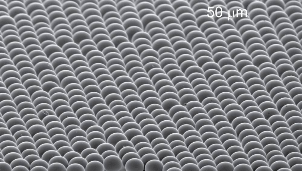 Microesferas de silice para enfriar superficies sin consumir energia