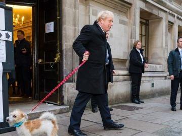 Boris Johnson vota en las elecciones generales