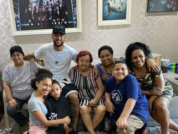 Neymar, junto a su familia en Navidad
