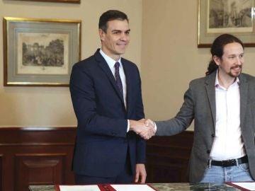 Al Rojo Vivo (26-12-19) Iglesias y Sánchez se reúnen una vez a la semana para cerrar las medidas más polémicas de su acuerdo
