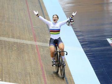 Kristina Vogel celebra una victoria
