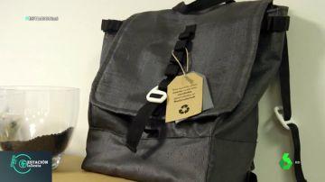 Botellas de plástico convertidas en mochilas o zapatos: así evoluciona el I+D+i del reciclaje