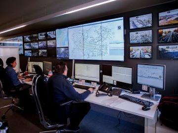La sala de control del Ayuntamiento de Barcelona, donde se visiona el funcionamiento de las cámaras