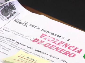 Imagen de documentos sobre violencia de Género.