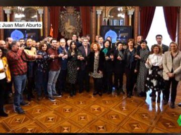 Imagen del brindis navideño en el último pleno del año en Bilbao