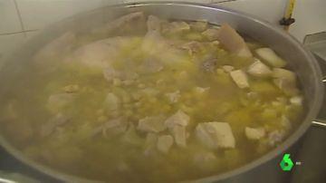 Imagen de un guiso de Pilar, la cocinera del mejor comedor escolar de España