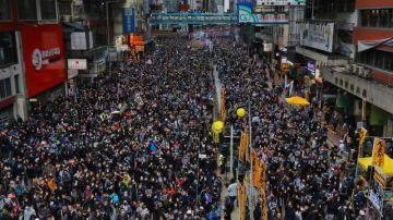 La tensión vuelve a Hong Kong con enfrentamientos durante la marcha de Año Nuevo