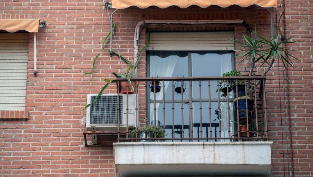 Vista de la vivienda en la que se produjo la agresión sexual múltiple en Murcia
