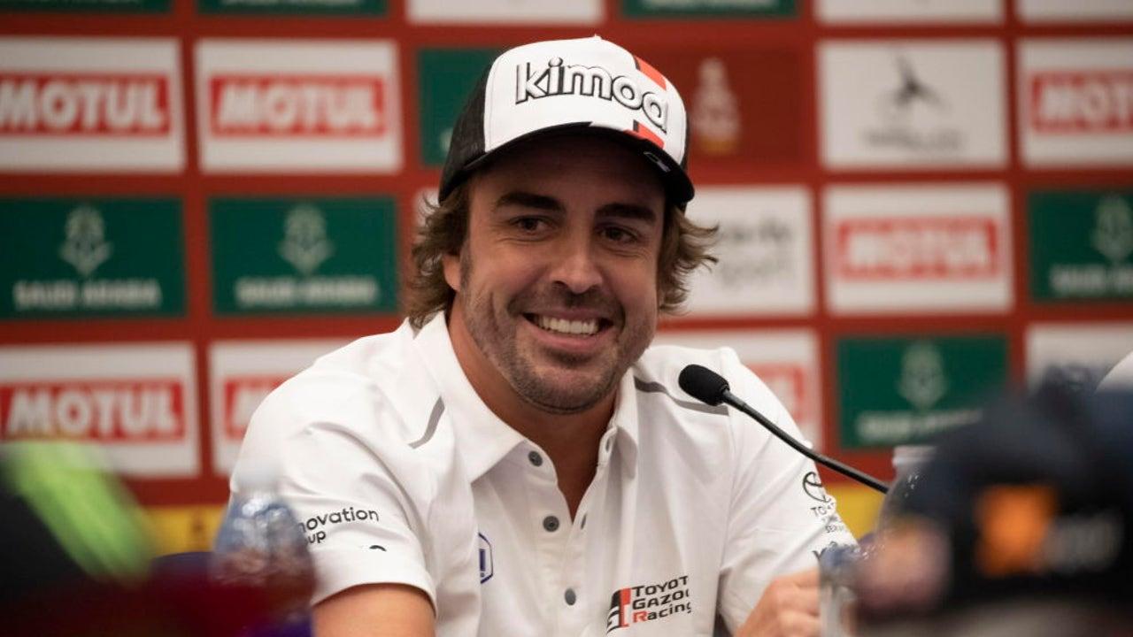 """Deportes Antena 3 (04-01-20) Fernando Alonso, a dos días del Dakar: """"Me quedo con que tengo unas pelotas muy grandes"""""""