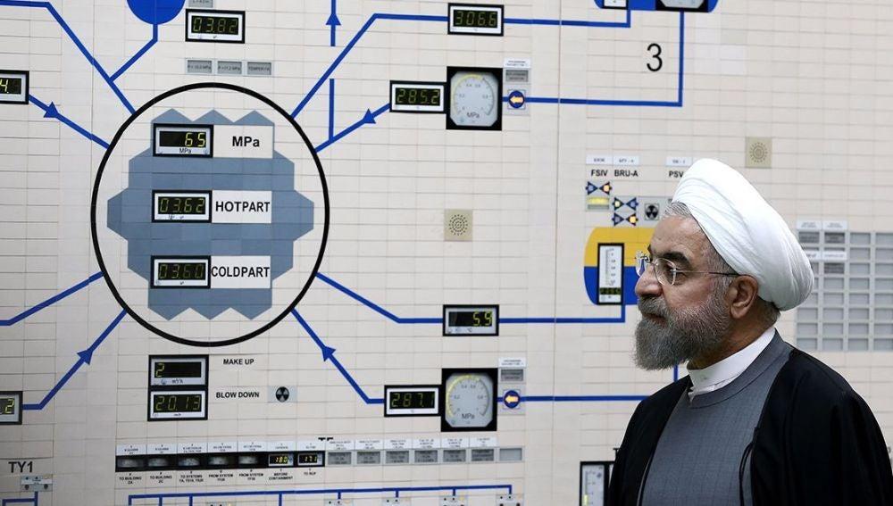El presidente iraní Hassan Rouhani, visitando la central nuclear de la ciudad de Bushehr