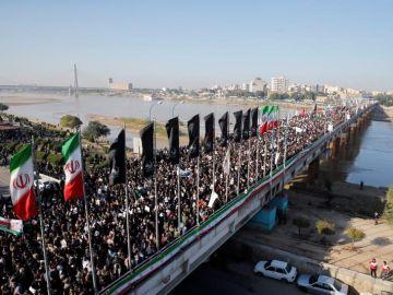 Comienzan los multitudinarios funerales en Irán del comandante Soleimaní