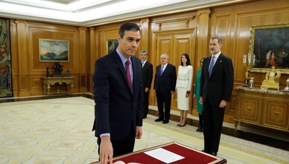 El presidente del gobierno promete ante el rey Felipe VI su cargo de presidente de Gobierno