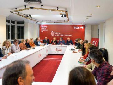 Los miembros de la ejecutiva del PSOE cántabro