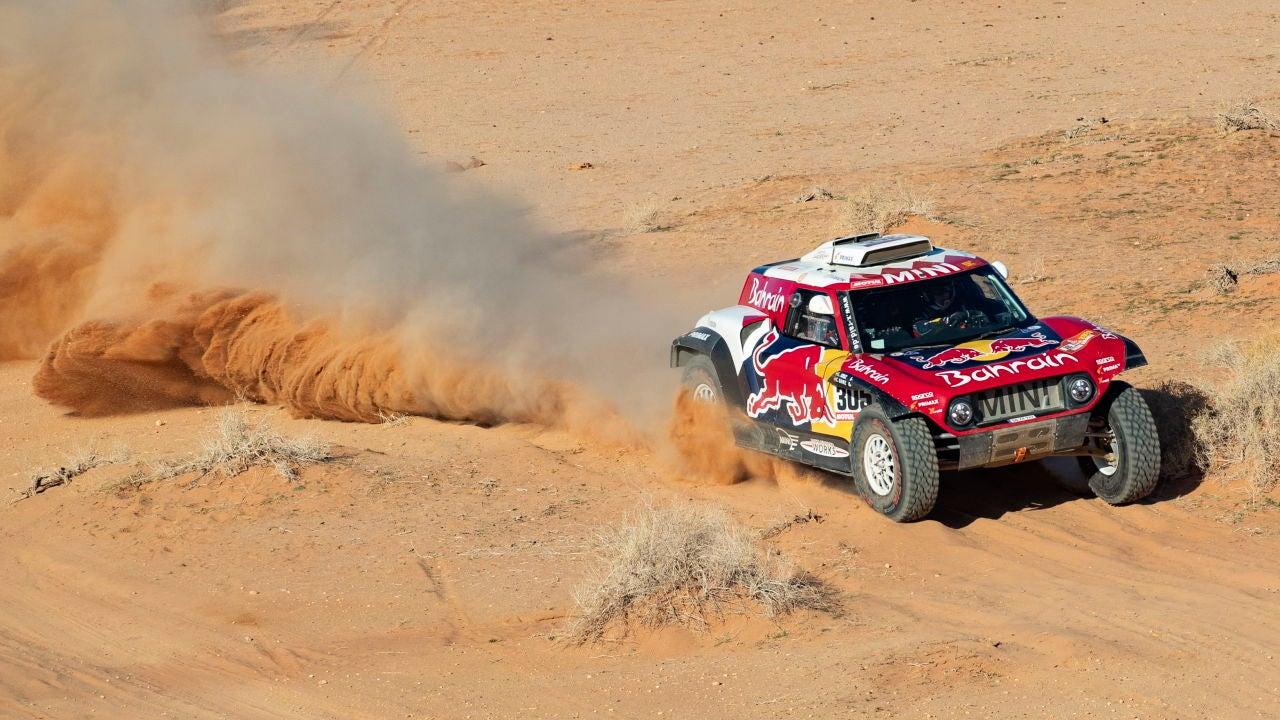 Carlos Sainz gana una nueva etapa