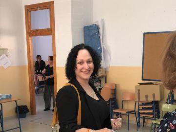 Luz Belinda Rodríguez Fernández votando en las elecciones autonómicas del 26 de mayo