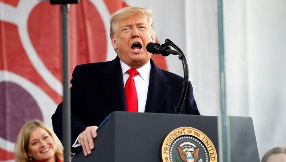 Donald Trump, dirigiéndose a los asistentes a la 'Marcha por la vida'