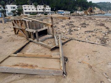 Vista general de una zona afectadas por el temporal en Ibiza, en Port de Sant Miquel