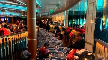 Vista de una de las cubiertas del crucero Costa Smeralda