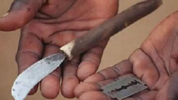 Herramientas usadas para una mutilación genital femenina (FGM).