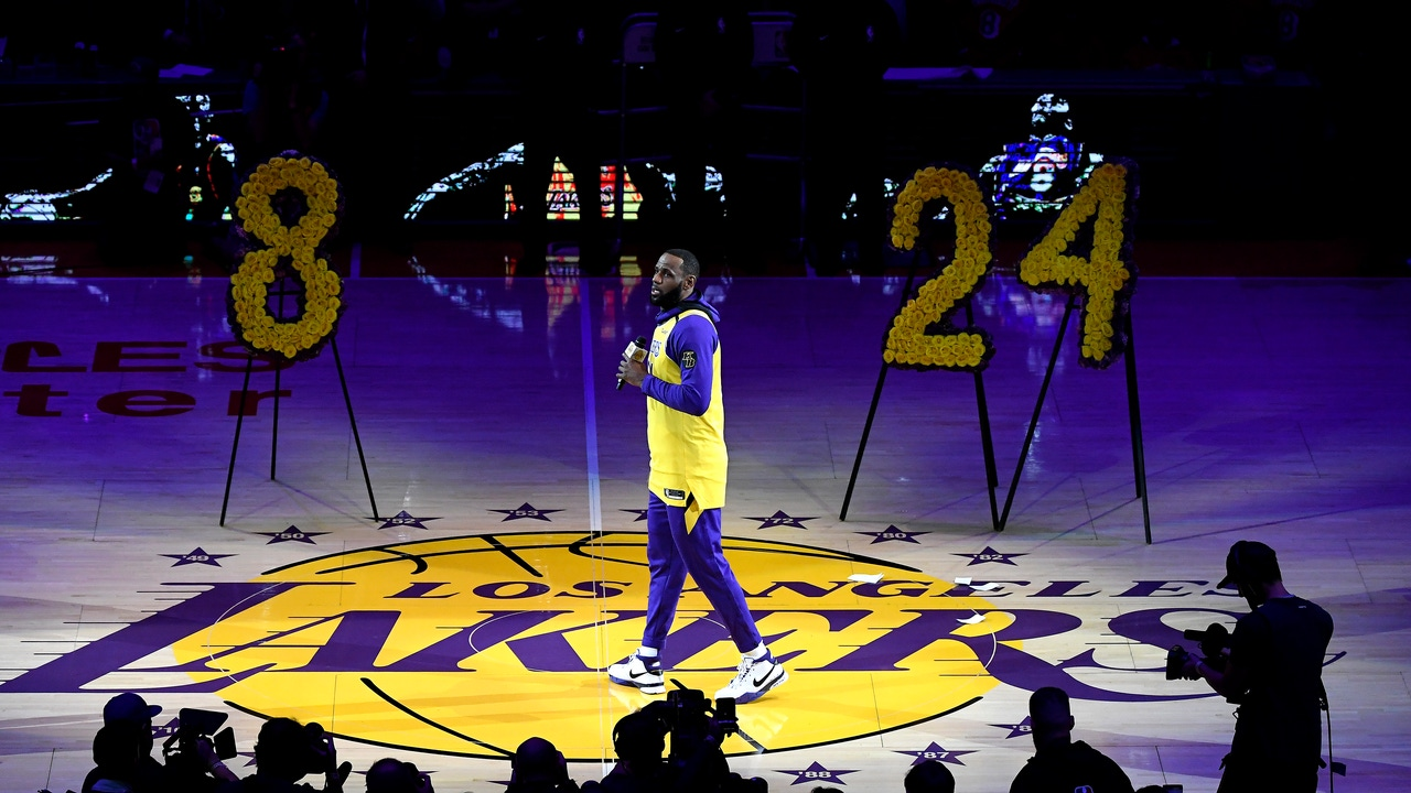 LeBron James, homenajeando a Kobe Bryant