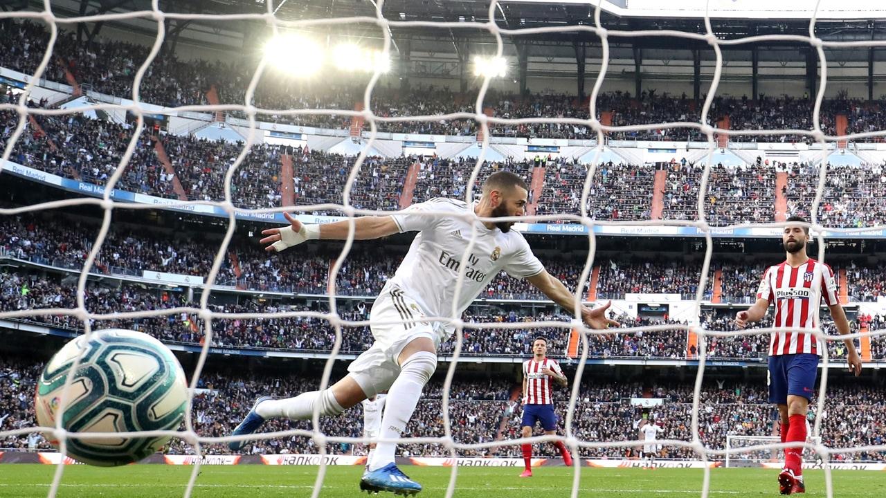 Karim Benzema, tras anotar el gol del partido.