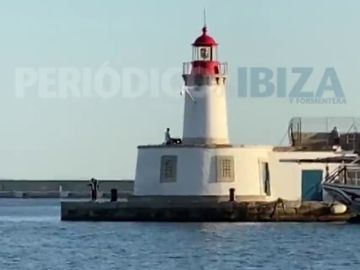 Graban a una pareja practicando sexo en Ibiza