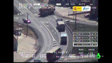 Imágenes de la infracción de un camión captada por la DGT