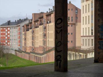 Inmediaciones de la vivienda donde han asesinado a una mujer en Lugo