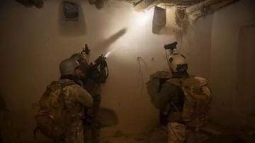 Militares afganos en una misión