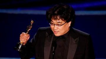 El director Bong Joon-ho se hace con los cuatro Oscar más importantes