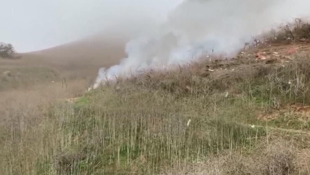 Imagen del vídeo grabado por un ciclista instantes después del accidente de helicóptero de Kobe Bryant