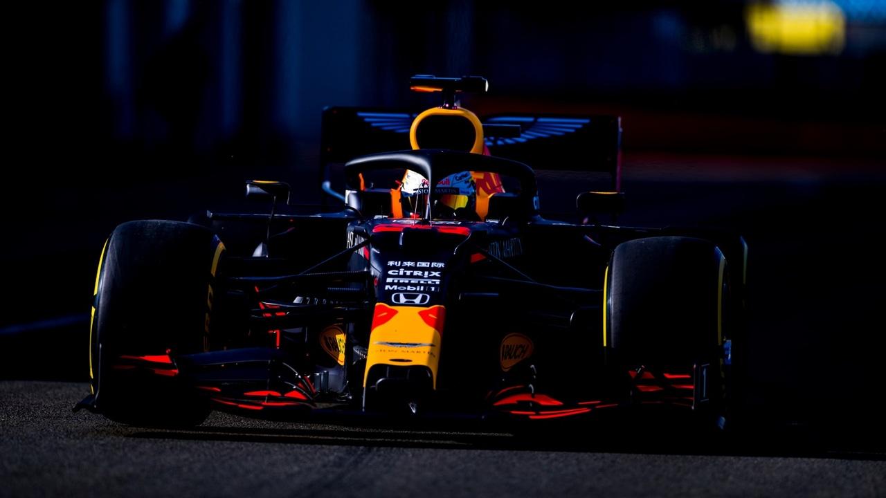 Max Verstappen probando por primera vez el nuevo monoplaza
