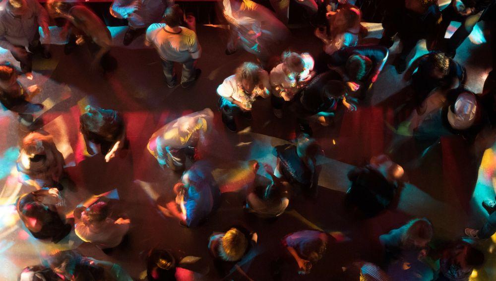¿Crees que podrías reconocer a tus amigos por cómo se mueven en la pista de baile?
