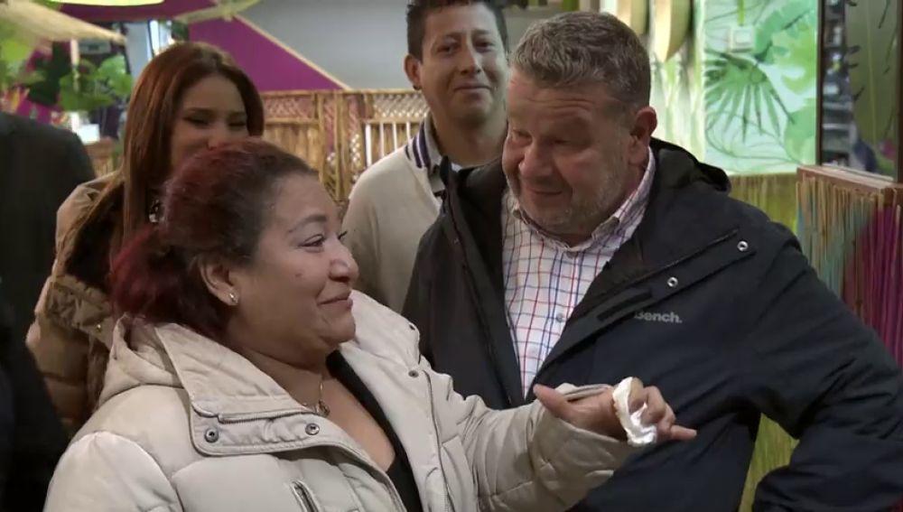 """De una casa de apuesta a un paseo por las calles de Guayaquil: así es el cambio de 'La Madrina' que deja """"sin palabras"""" a su dueña"""