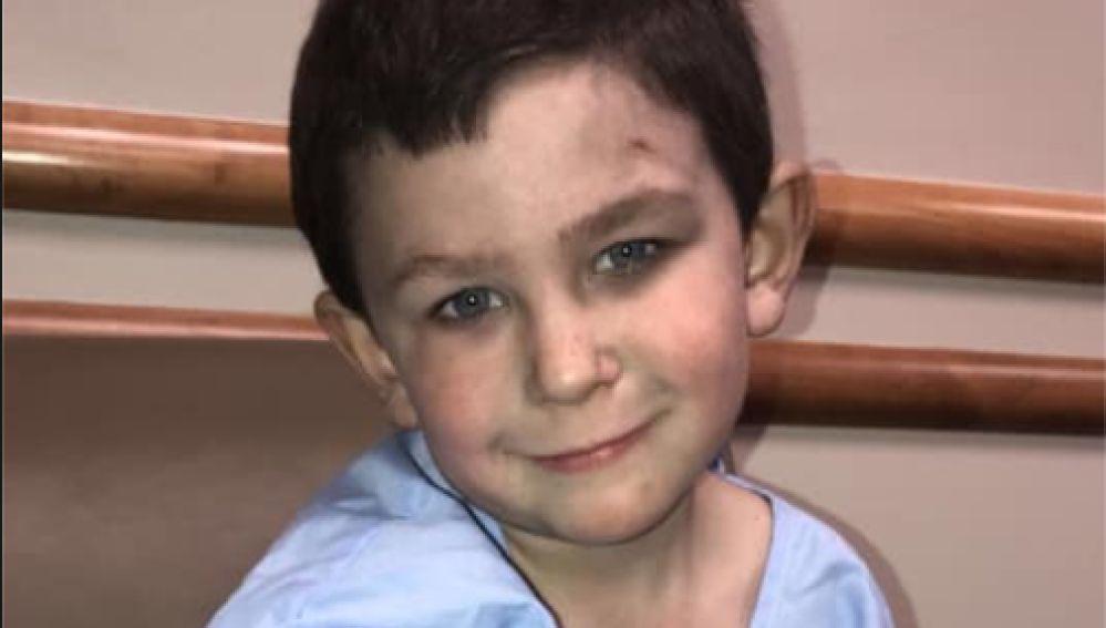 Foto de Noah, el niño que salvó a su familia de un incendio