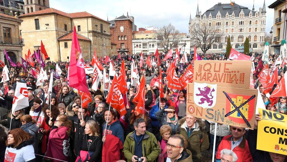 Manifestación en León por el futuro de la provincia