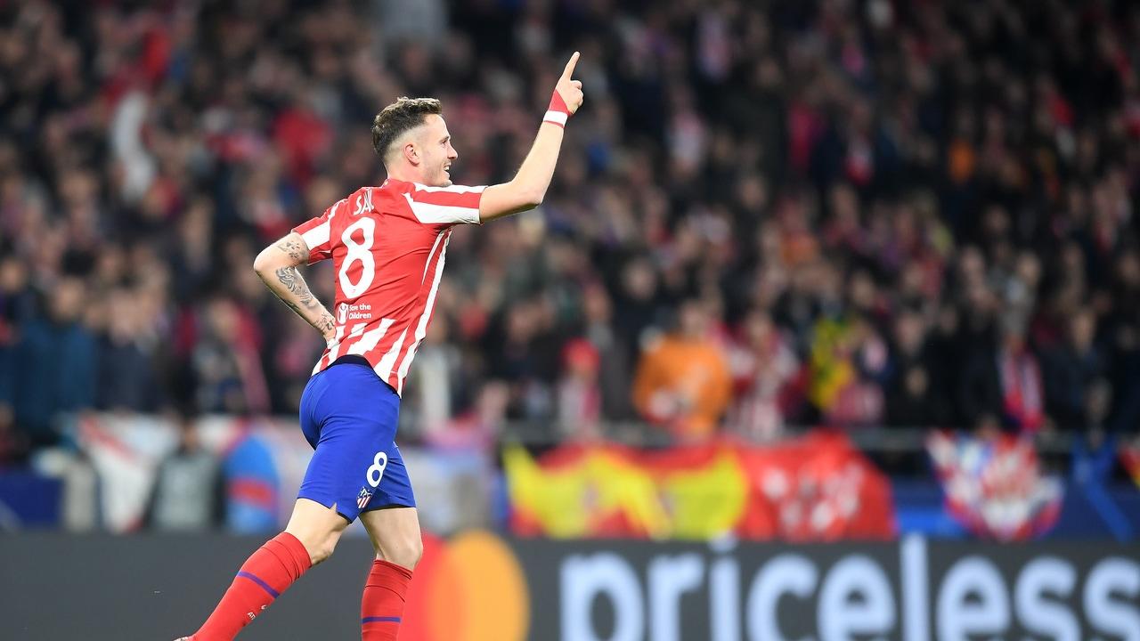 Saúl celebra un gol.