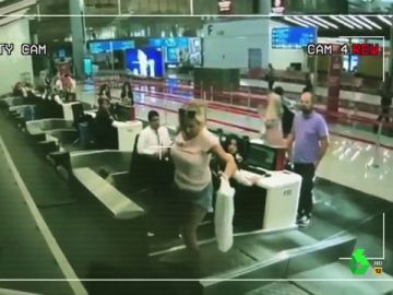 """El Intermedio 'desvela' en exclusiva las """"comprometidas"""" imágenes de Ábalos y Delcy Rodríguez que """"el Gobierno trata de ocultar"""""""