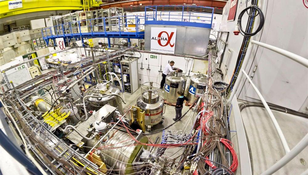 Un experimento del CERN mide nuevos efectos cuanticos en la antimateria