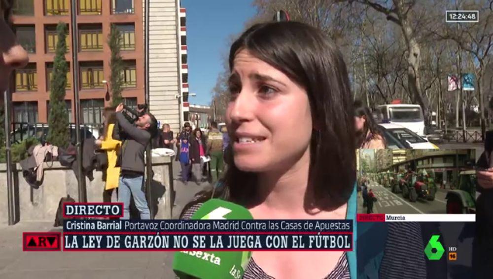 """Escrache ante Consumo contra la tibieza de la ley de Garzón: """"Sería impensable ver a Messi anunciando un licor en prime time"""""""