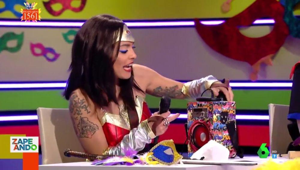 """El 'altavoz karaoke con micrófono', el invento más """"macarra"""" para """"creerse el príncipe de Bel-Air"""""""