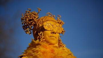 Un ciudadano celebra el Carnaval