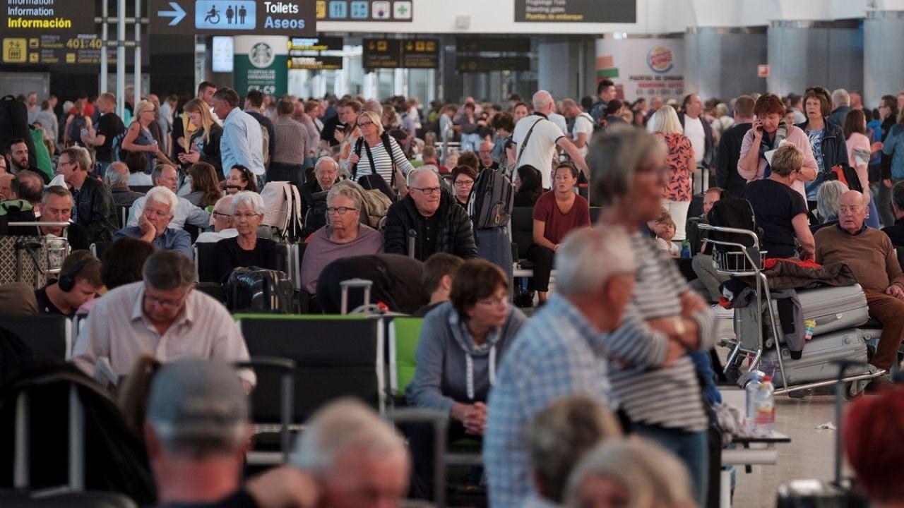 Pasajeros en los aeropuertos canarios
