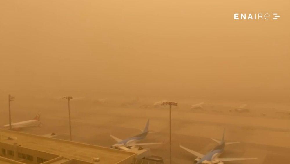 Vista desde la torre de control del Aeropuerto de Gran Canaria, este domingo